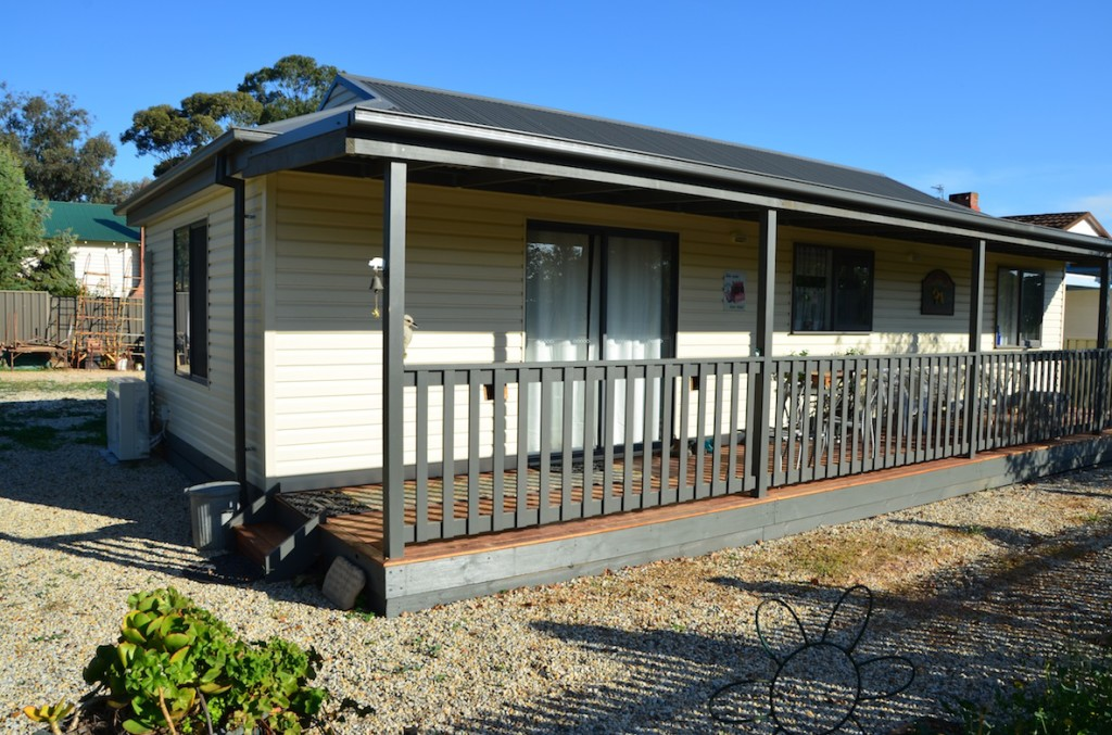 Granny flats cabins melbourne victoria relative for Victoria home builders